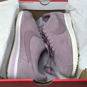 Nike women's Classic Cortez Suede, 10.5 US